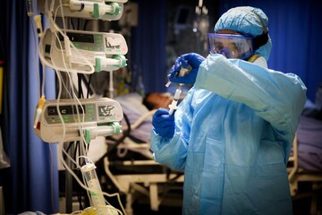 نیمی از پزشکان متخصص گروه عفونی مشهد کرونا گرفتند