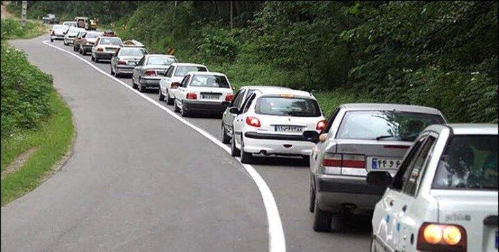 ترافیک نیمه سنگین در جاده کرج - چالوس/ چالوس یک طرفه شد