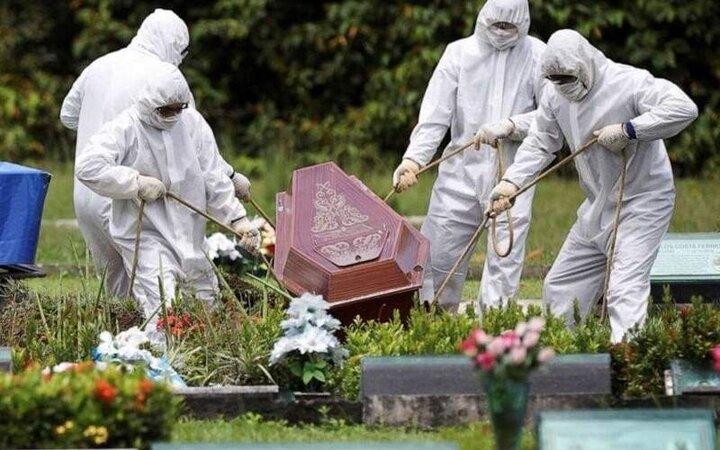تقاضای خانواده متوفیان از پزشک برای تغییر درج علت مرگ در بیماران کرونایی + فیلم