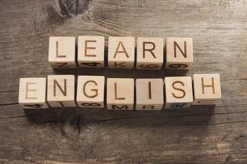 برای تقویت مکالمه زبان انگلیسی باید از چه روشی استفاده کرد؟