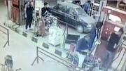 سرقت باورنکردنی موبایل در پمپ بنزین + فیلم