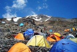 هجوم عجیب و غریب به دماوند در سالهای اخیر/ آیا کوهنوردی در دماوند پولی می شود؟