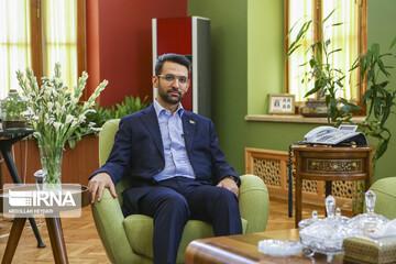 آذری جهرمی: عدهای میگویند اینترنت کشور باید قطع شود