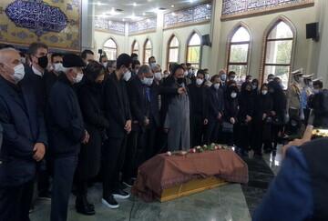 مراسم اقامه نماز بر پیکر استاد شجریان برگزار شد