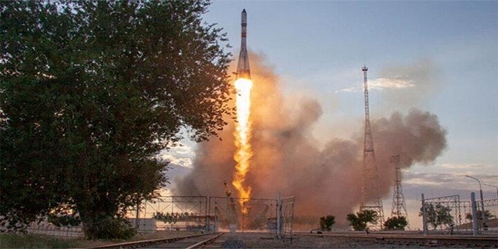 لحظه منفجر شدن فضاپیما و مرگ دردناک فضانوردان در مقابل چشمان خانواده شان!/ فیلم