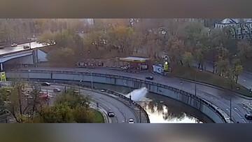 سقوط تاکسی به داخل رودخانه + فیلم