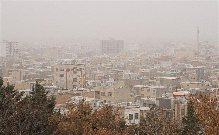 شاخص کیفیت هوای تهران در شرایط ناسالم قرار دارد
