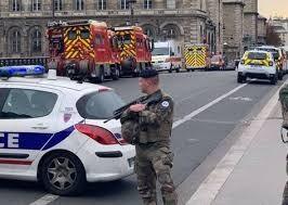 ۴ دانش آموز در فرانسه دستگیر شدند