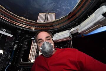 ماسک زدن در ایستگاه فضایی بین المللی! + عکس