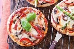 پیتا پیتزا خوشمزه و خوش طعم + طرز تهیه