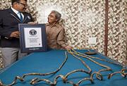 نگهداری بلندترین ناخن دنیا در موزه + عکس