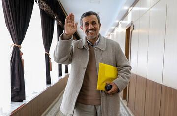 تصویر عجیب و جالب از بی توجهی علی کریمی به محمود احمدی نژاد