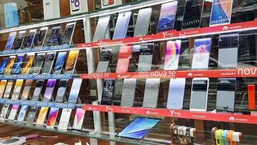 موبایل ارزان شد/قیمت انواع گوشی همراه در بازار