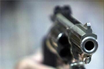 شلیک ۷۰ گلوله به خودروی ۴۰۵ در جاده کلات- مشهد/ متهمان را شناسایی کنید + عکس