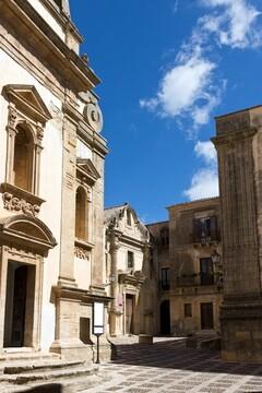 فروش باور نکردنی خانههای ایتالیا به قیمت یک همبرگر + عکس