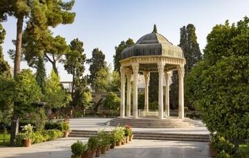 عکس دیده نشده و قدیمی از مقبره حافظ در دوره قاجار