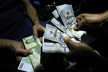 دلار در بازار امروز ۱۵۰ تومان ارزان شد