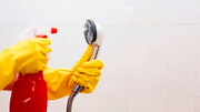 چند روش ساده برای تمیز کردن رسوبهای سر دوش حمام