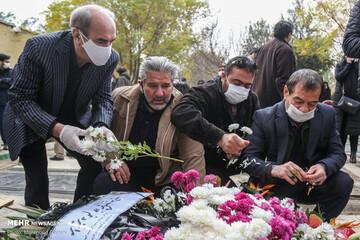 تصاویری از حضور بازیگران در مراسم خاکسپاری مرحوم چنگیز جلیلوند