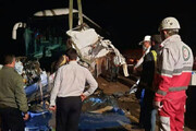 برخورد وحشتناک اتوبوس با کیوسک عوارضی در قزوین / فیلم