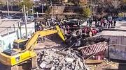 برخورد عجیب و مرگبار کامیون با منزل مسکونی در پردیس / فیلم