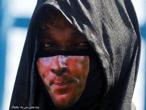 ماسک عجیب و خاص شهروند هندی / عکس