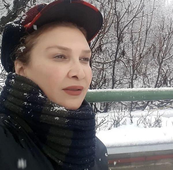 خانم بازیگر در روز برفی / عکس