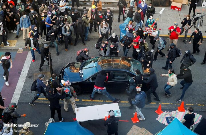 ۷ مجروح در برخورد خودرو به معترضین ضد نژادپرستی در نیویورک