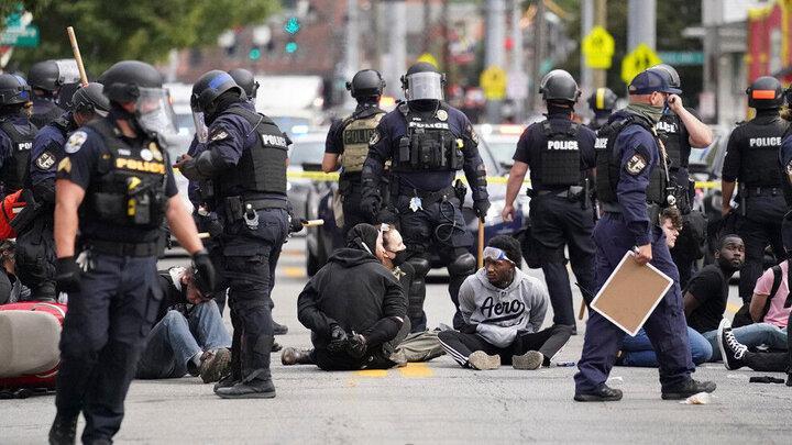 کشته شدن یک سیاهپوست توسط پلیس اوکلاهاما