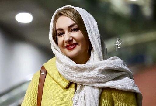فال حافظ بازیگر زن مشهور در شب یلدا / عکس