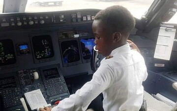کودک ۷سالهای که خلبان شد/ عکس