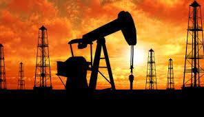 قیمت نفت به ۵۲ دلار نزدیک شد