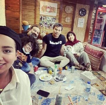 پیمان و محراب قاسم خانی در کنار فرزندانشان / عکس