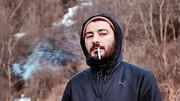 نوید محمدزاده در پشت صحنه سریال قورباغه / عکس