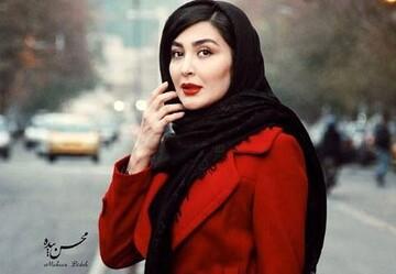 ادای احترام خانم بازیگر به هوادارانش / عکس