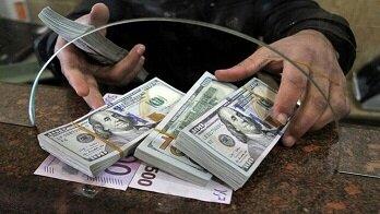 قیمت دلار کاهش یافت/ قیمت دلار و یورو ۱۸ دی ۹۹