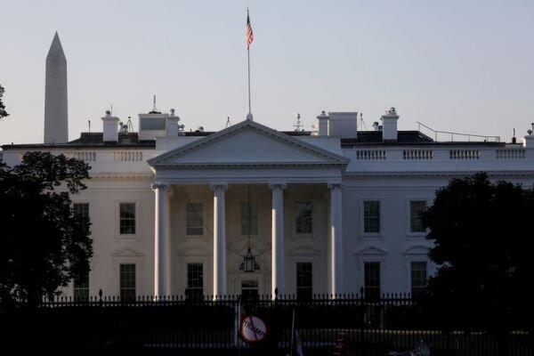 استعفای دو تن از مقامات بلندپایه کاخ سفید