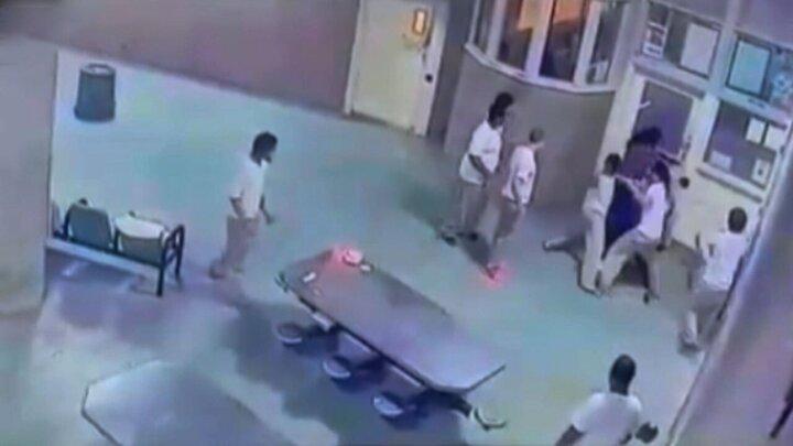 شورش زندانیان در زندان آمریکا / فیلم