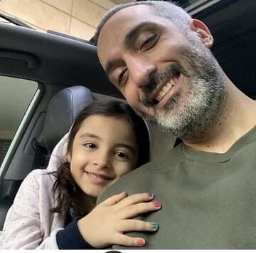 امیر مهدی ژوله و دخترش در خودروی لاکچری / عکس