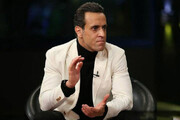 علی کریمی برای نامنویسی در انتخابات وارد فدراسیون فوتبال شد