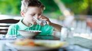 آیا نوشیدن آب با غذا خطرناک است؟