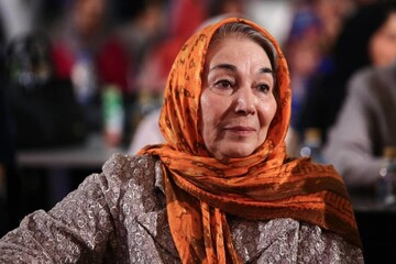 با رعایت بهداشت و پروتکلها نوروز باشکوهی در انتظارمان خواهد بود/ترجیح میدهم از واکسن ایرانی استفاده کنم