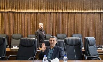 قالیباف از حالا خود را پیروز بلامنازع انتخابات ۱۴۰۰ میداند/احمدینژاد دیگر خریداری ندارد