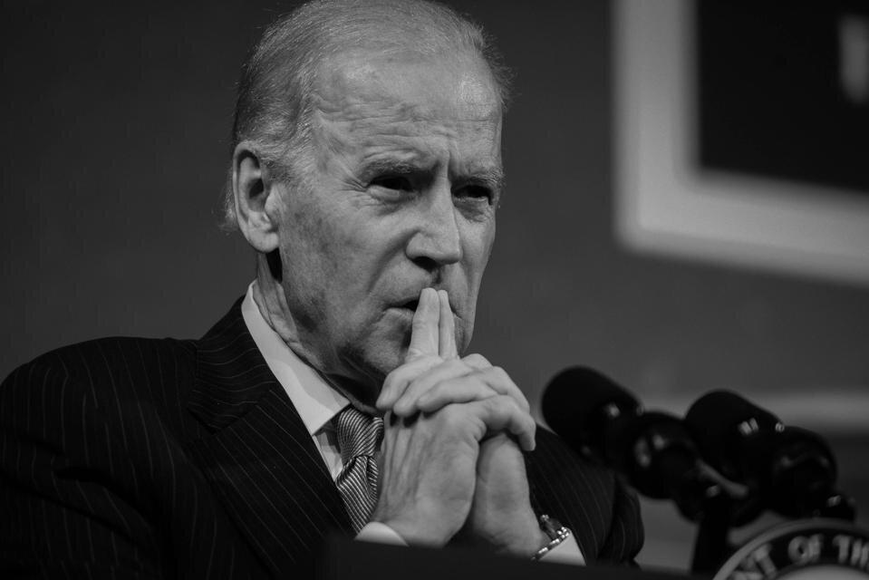 دستورات اجرایی جو بایدن؛ قاطعیت در مهار بحران برای احیای آمریکا