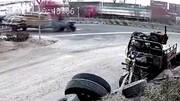 واژگونی عجیب تراکتور در خیابان/ فیلم
