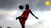 مه شدید در جریان برگزاری مسابقه فوتبال در روسیه / فیلم