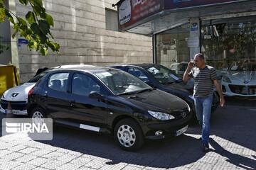 قیمت خودرو همچنان در حال ریزش است/ قیمت خودروهای پرفروش در ۳۰ دی ۹۹