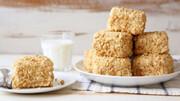 کیک بادام زمینی؛ شیرینی خوشمزه و مقوی + طرز تهیه