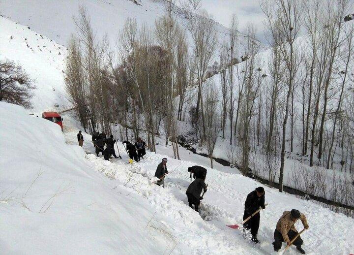 برف راه ۱۸۰ روستای کردستان را بست