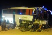 تصادف وحشتناک اتوبوس و تریلی در محور آرادان به سرخه / فیلم